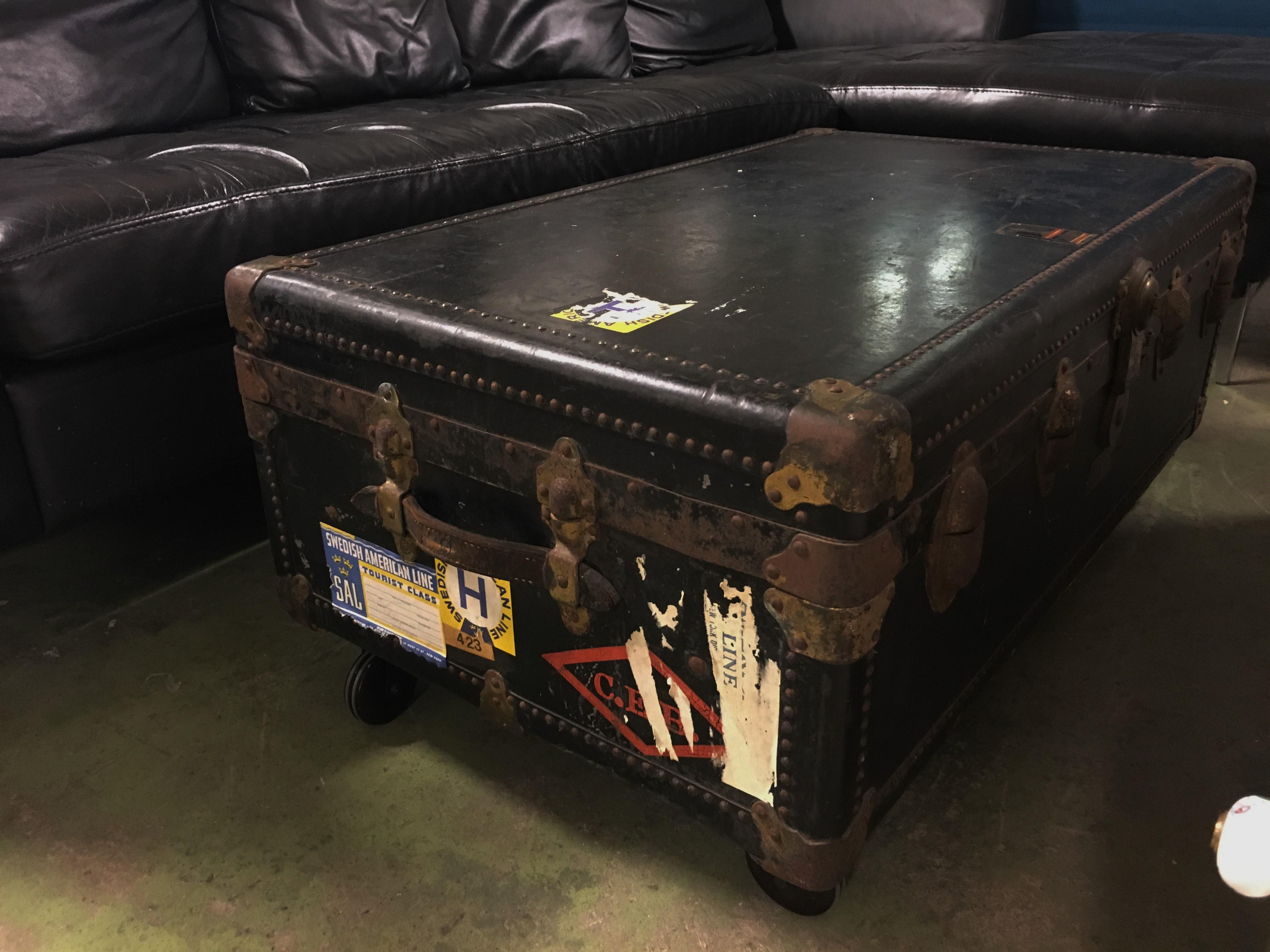 kistbord möbler ~ begagnade möbler  två kronor
