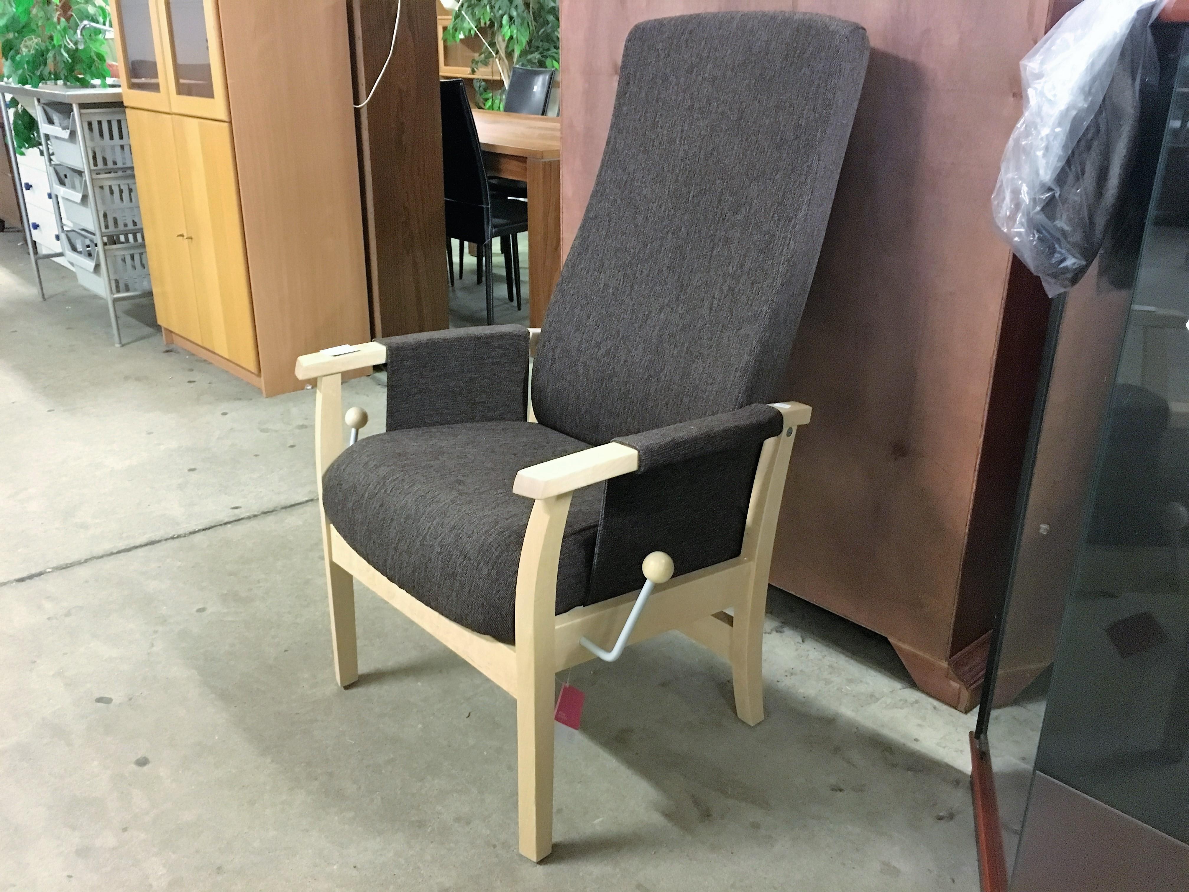 munkstol möbler ~ begagnade möbler  två kronor