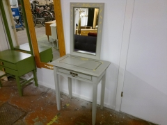 Hallbyrå + spegel