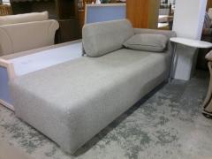 Soffa med sidobord