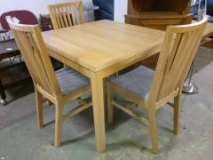 Matbord + 3st stolar