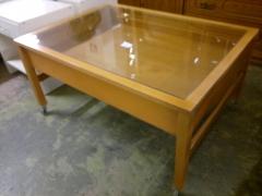 Soffbord med låda