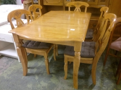 Matbord + 5st stolar