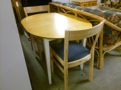 Köksbord + 2st stolar