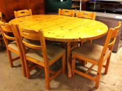 Runt bord + 6st stolar
