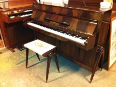 Piano + pall